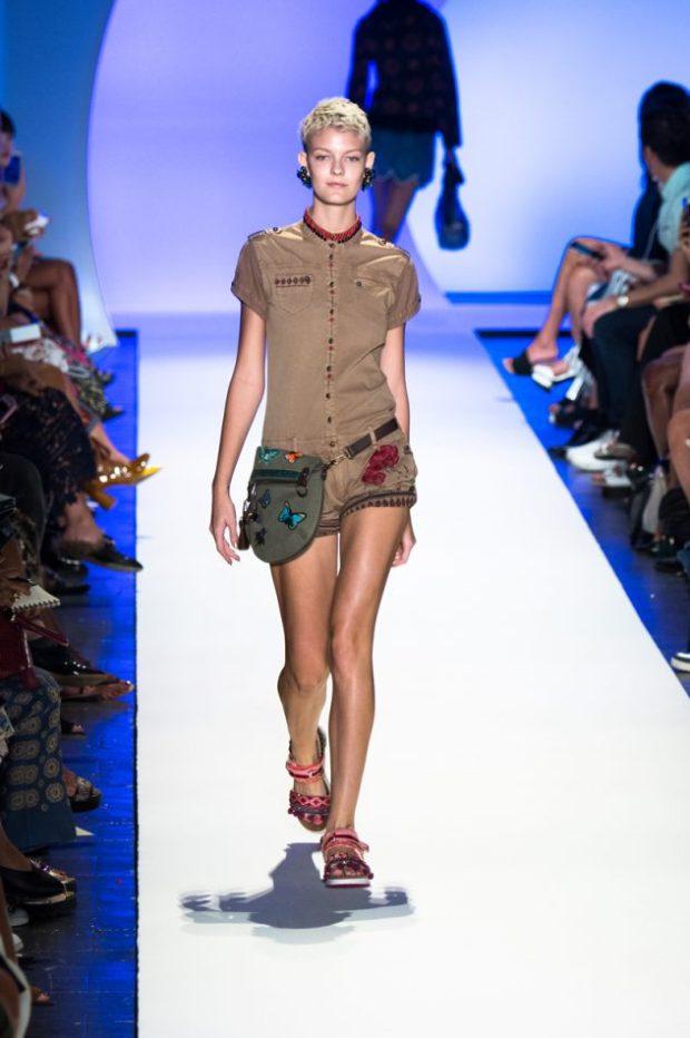 desigual-runway-social-magazine-3