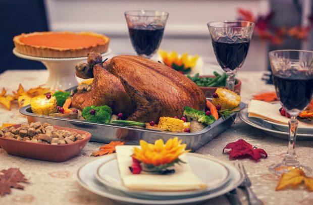 thanksgiving-hosting-ideas