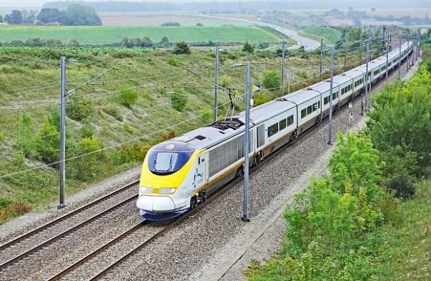 eurostarzug-2736247_640