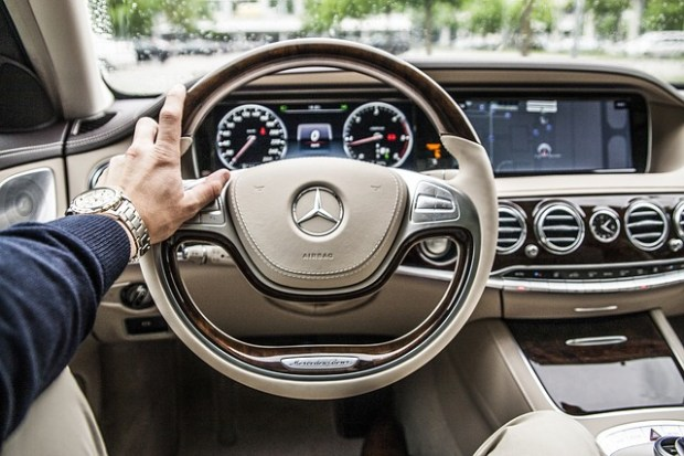 steering-wheel-801994_640 (2)
