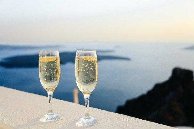 sparkling-wine-1030754_640