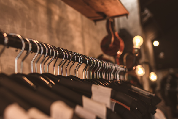 photo-of-black-clothes-on-hangers-1036856
