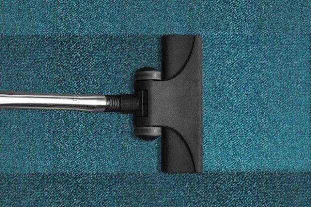 vacuum-cleaner-268179_640 (1)