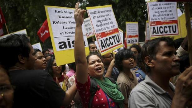 Sept. 2019 Kashmir protest N. Delhi (Altaf Qadri:AP)