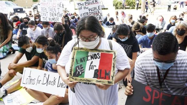 Latinos (Miguel Roberts:Brownsville Herald:AP)