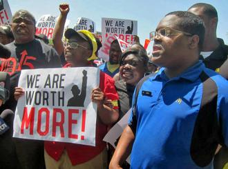 McDonald's workers and their supporters take their struggle to the company's doorstep (Kelly Benjamin)