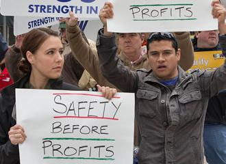 Striking oil workers rally to demand safety come before profits (United Steelworkers)