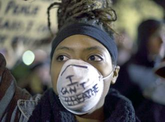 Protester against the non-indictment of NYPD officer Daniel Pantaleo for the murder of Eric Garner (Joshua Sinn)
