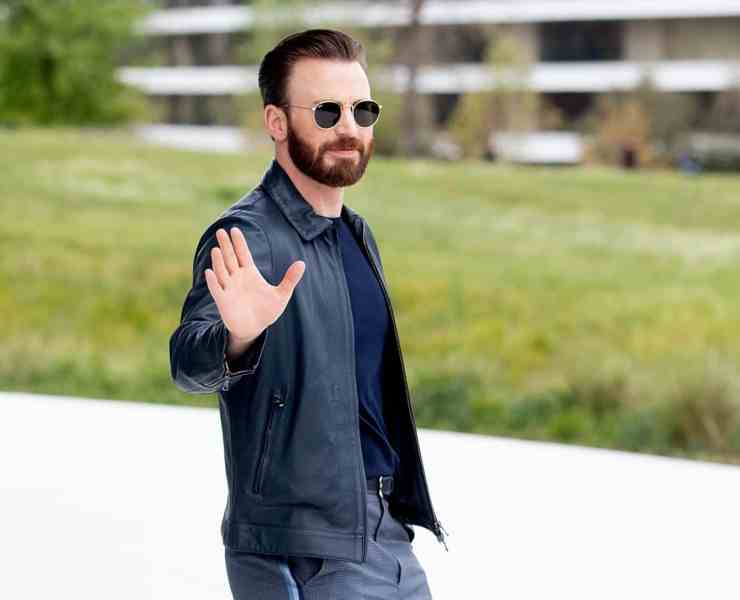 Chris Evans Apple