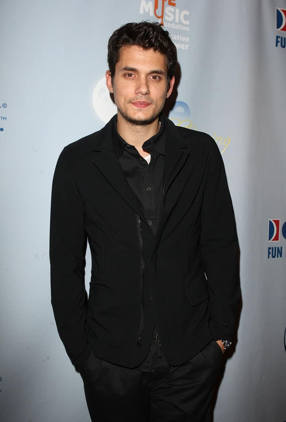 John Mayer One Splendid Evening, Sponsored By Carnival Cruise Lines And Benefiting VH1 Save The Music Foundation - Red Carpet