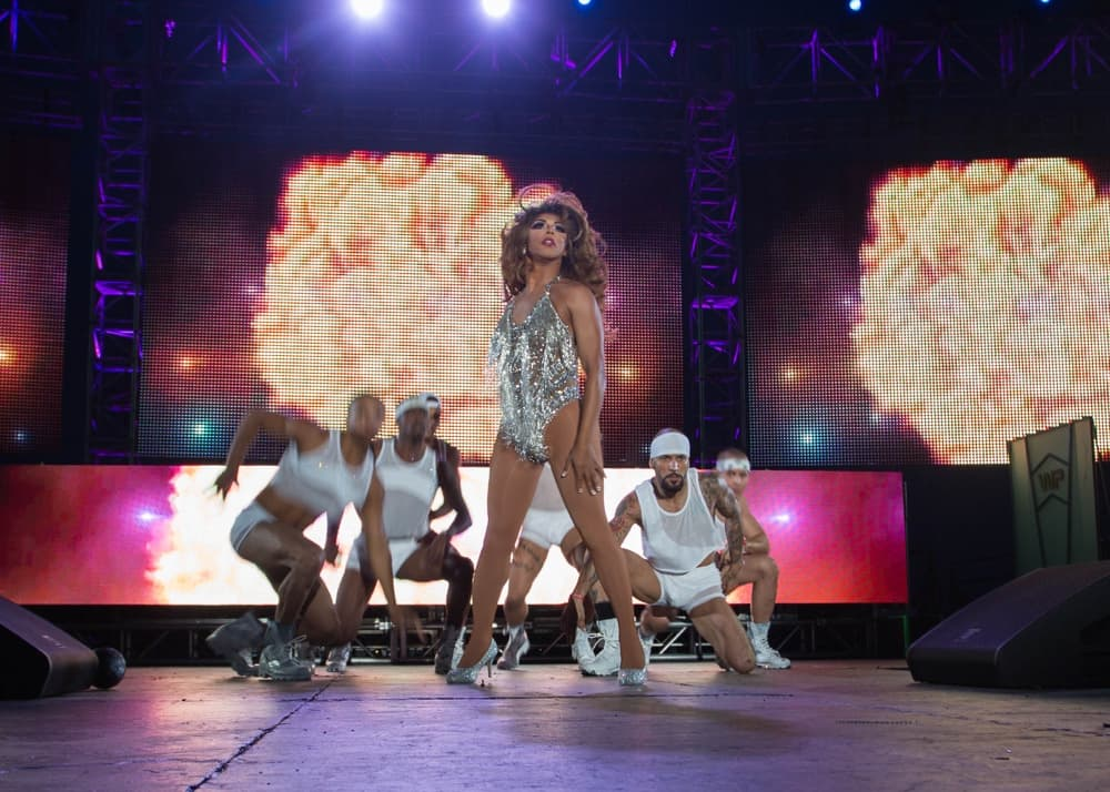 Shangela Performs at the 30th Annual Palm Springs White Party
