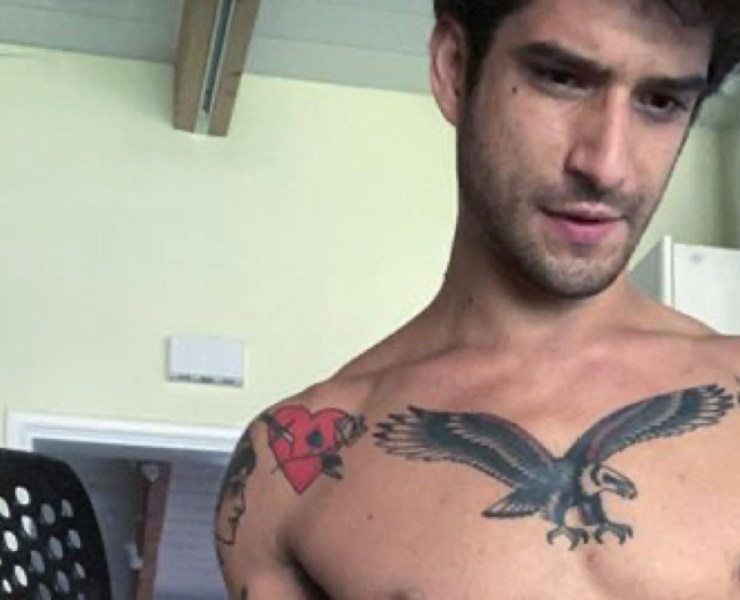 Tyler Posey cooks while naked