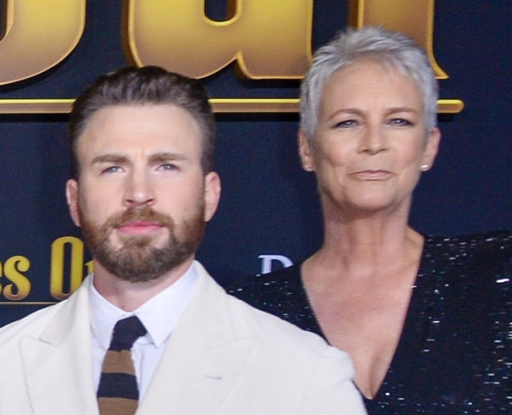 """Jamie Lee Curtis and Chris Evans Premiere Of Lionsgate's """"Knives Out"""" - Red Carpet"""