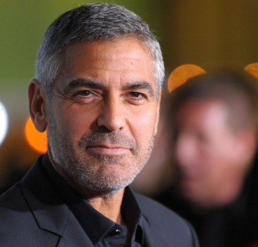 """George Clooney Premiere Of Paramount Pictures' """"Up In The Air"""" - Arrivals"""
