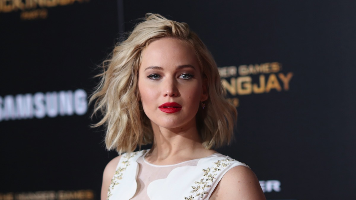 "Jennifer Lawrence Premiere Of Lionsgate's ""The Hunger Games: Mockingjay - Part 2"" - Arrivals"