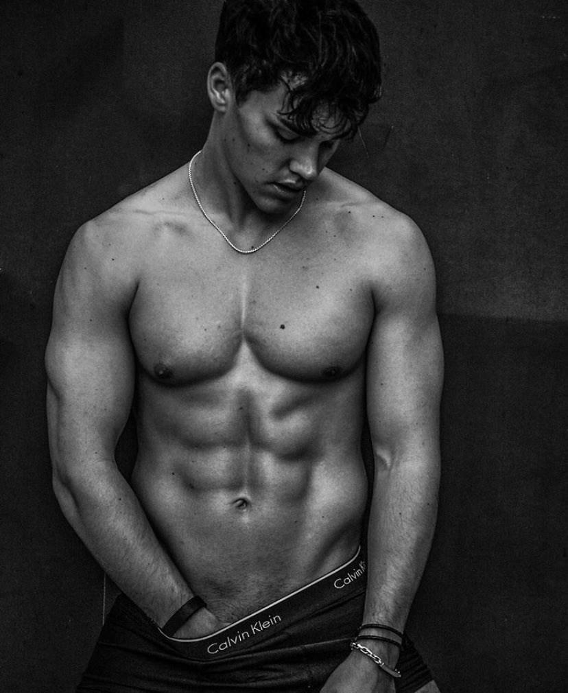 TikTok star Noah Beck's steamy pics censored by Instagram