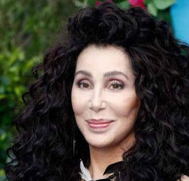 Cher apologizes after being slammed for tweet over George Floyd's death 2