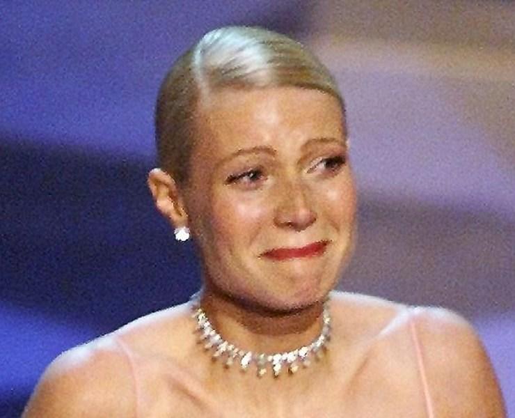 Gwyenth Paltrow cries as she receives the Oscar fo