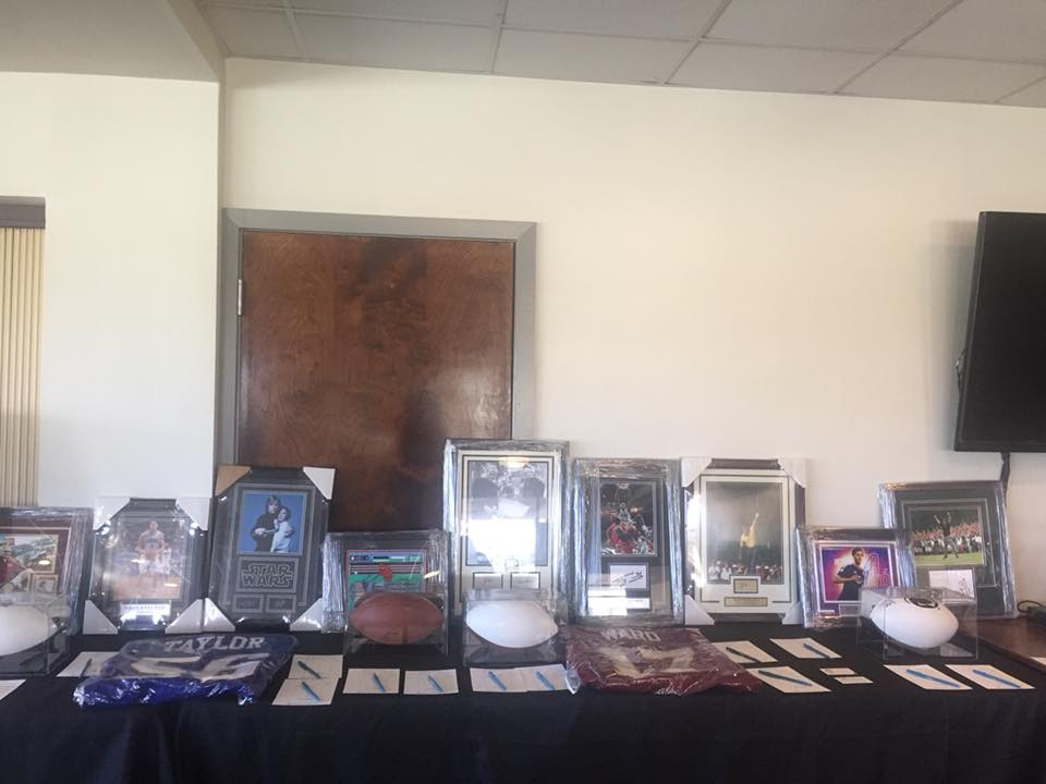 Auction items at the Torneo 2018 Sandra Open