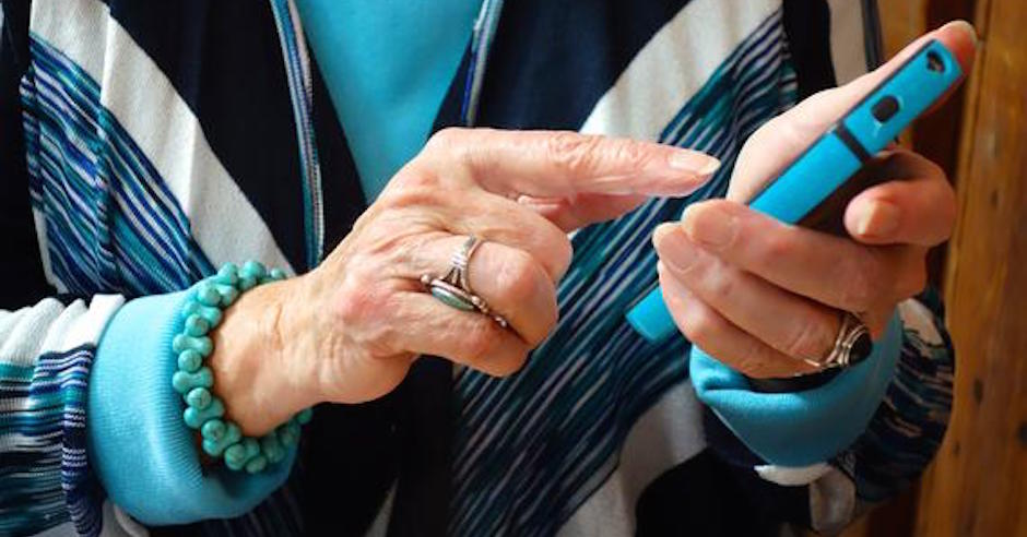 3 Things You Should Know About Seniors Using Facebook