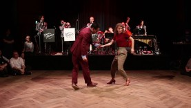 Rija-amp-Elise-Blues-Improvisation-to-Peters-Peppers-Swing-Band-Knall-auf-Ball-attachment