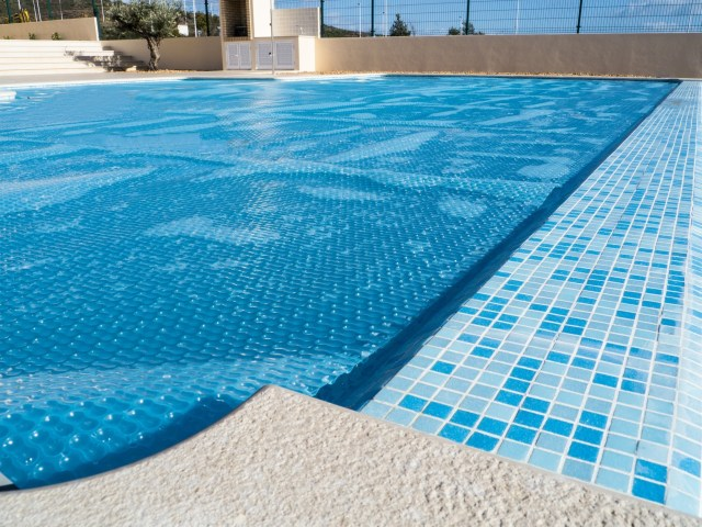 swimming pool heating tips