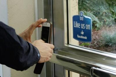 like-facebook-on-facebook