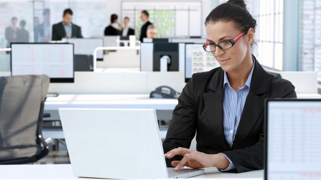 Social Vantage Marketing Employee Writing Review