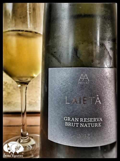 Alta Alella Leia Cava Sparkling wine long bottle flute glass front label social vignerons small
