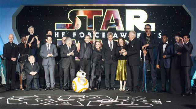 Star Wars desperta com uma bilheteria estrondosa