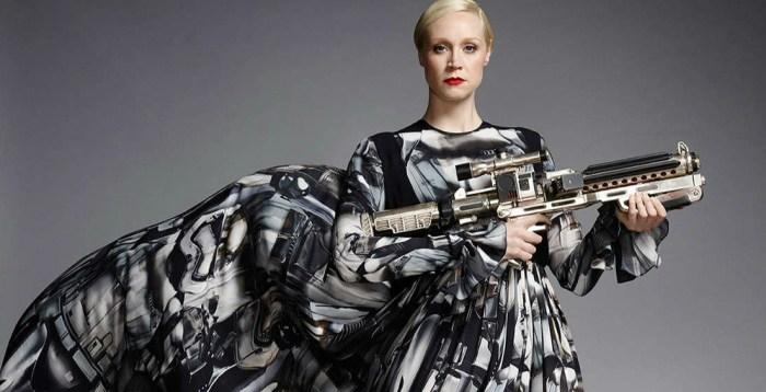 Gwendoline Christie se manifesta sobre o conceito de Phasma e sua relevância