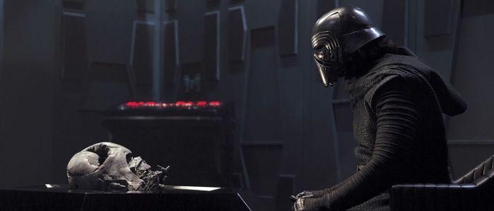 VIII | Kylo Ren teria outro objeto de Darth Vader