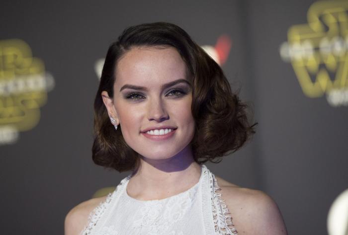 """""""Rey não é uma Mary Sue"""", desabafou Daisy Ridley."""