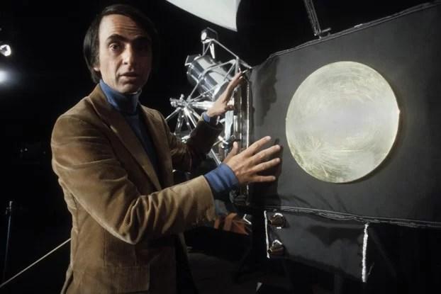 Antes de morrer, Carl Sagan planejava criar sequência de Cosmos
