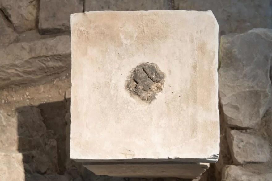 Altar maior em templo da era bíblica