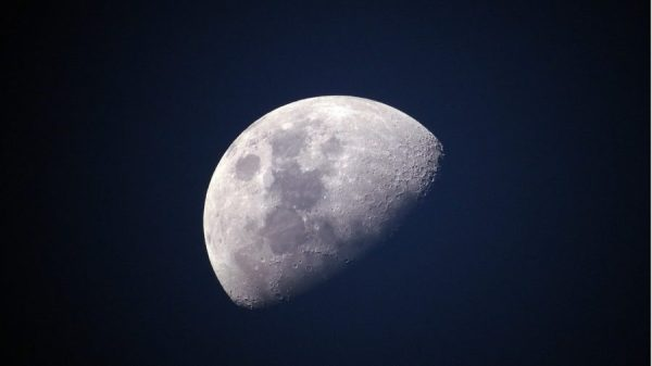 a lua afeta a vida na terra
