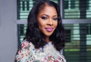 Pregnancy Talks Decorate Ooni Of Ife's Main Heartthrob Tope