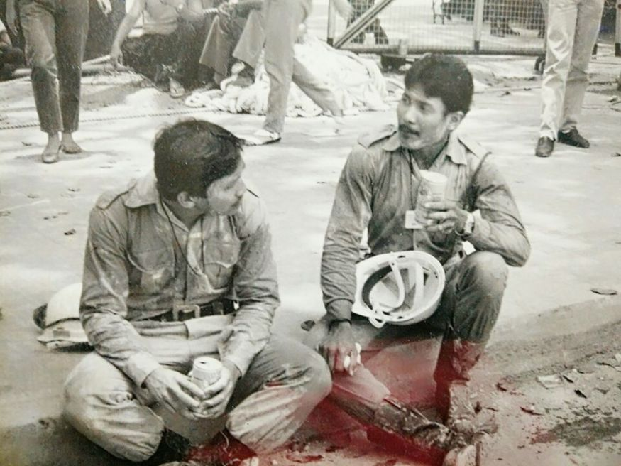 Ali Ismail and Ramlan Dollah at the disaster site in 1986. Photo courtesy of Ramlan Dollah.