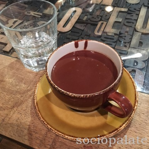 Hot chocolate at Hemingway, best hot chocolate in florence