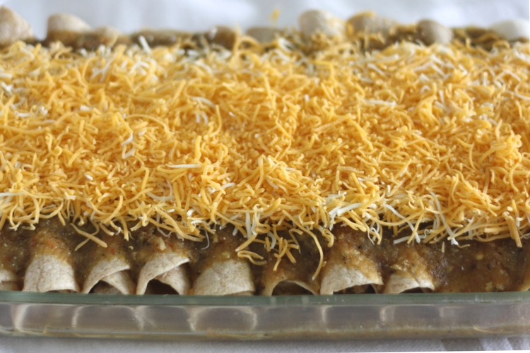 Chicken Enchiladas with Green Chili Sauce sockbox10.com