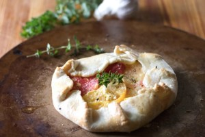 Tomato Tart with Garlic and Herb Goat Cheese sockbox10.com