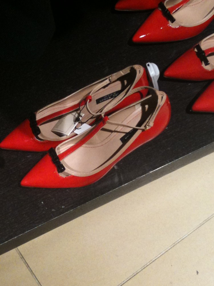Valentino shoes look alike at Zara (3/5)