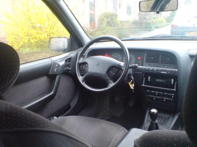 Citroen-xantia-2-0-i_interior01
