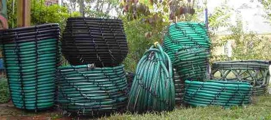 Baskets Made from Recycled Garden Hoses How lovely