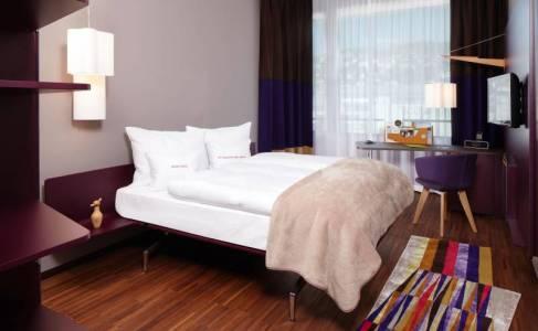 251_8_25hours_Hotel_Zuerich_West-Goldzimmer-1