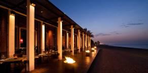 Chedi-Muscat_Dining_Beach-Restaurant-Exterior-01_v-1