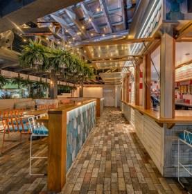 Betty's Burgers (Noosa, Australia)paul kelly