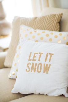 christmas festive room decor inspiration, tumblr, pinterest, artsy photo, blogmas 2015, day 3, cushions, let it snow