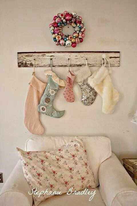 christmas festive room decor inspiration, tumblr, pinterest, artsy photo, blogmas 2015, day 3, stockings
