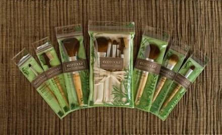 blogmas 2015, day 11, beauty wishlist, ecotools brushes, eye brushes, artsy, tumblr, pinterest, different brushes, 6 piece starter set